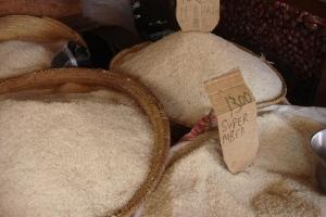 Commerce de riz en Tanzanie